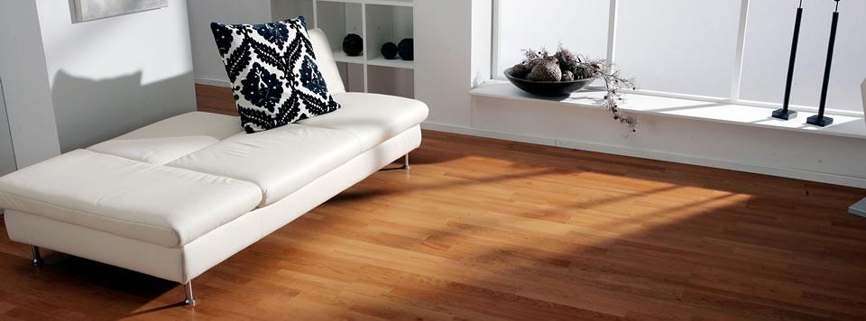 laminat parkett excellent laminat pflegen u wie kann man kratzer im laminat entfernen with. Black Bedroom Furniture Sets. Home Design Ideas